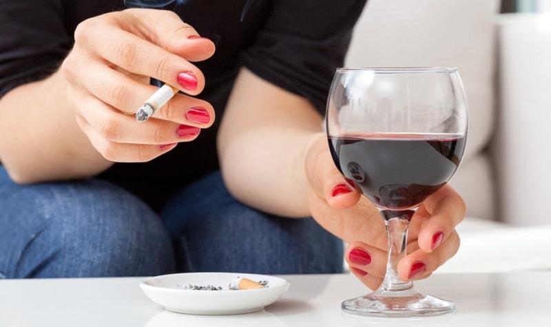 Сигарета и вино