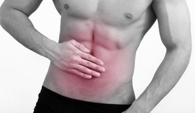 Боль в животе а области пупка у мужчин и женщин: причины, тревожные симптомы и лечение