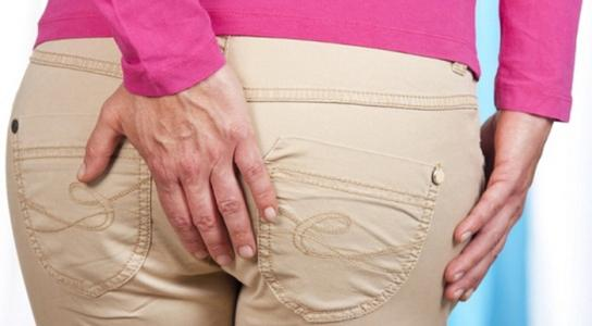 Острая боль в заднем проходе у женщин