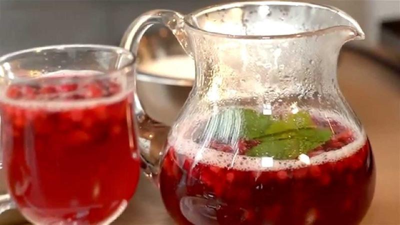 чай с ягодами и травами
