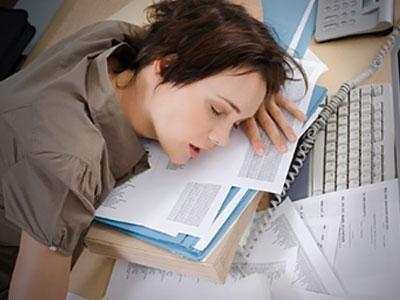 Симптомы слабость сонливость упадок сил потливость. Что делать при таких симптомах. Причины появления симптомов при беременности.