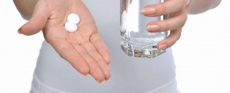 Две таблетки на ладони