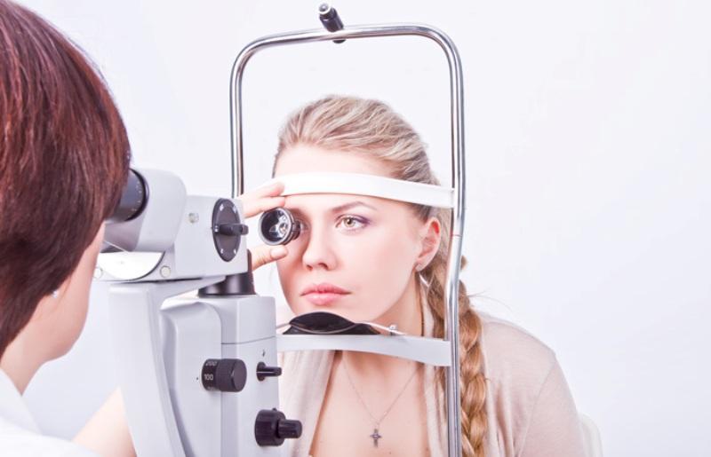 Лазерная терапия глаза
