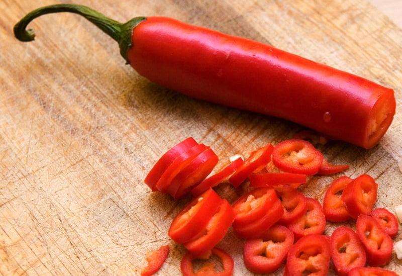 Нарезанный красный перец