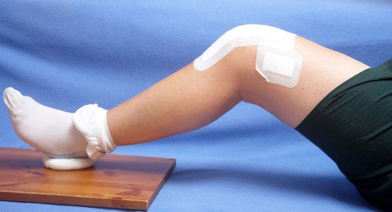 Перцовый пластырь на колене