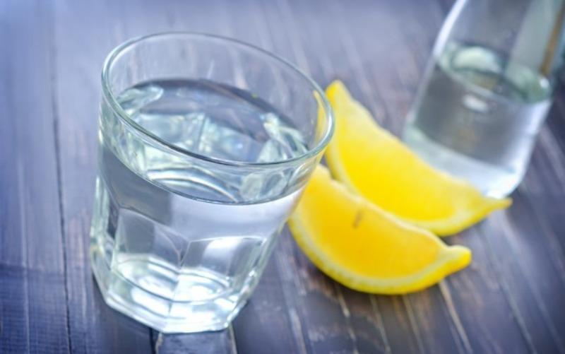 Раствор соли и сок лимона