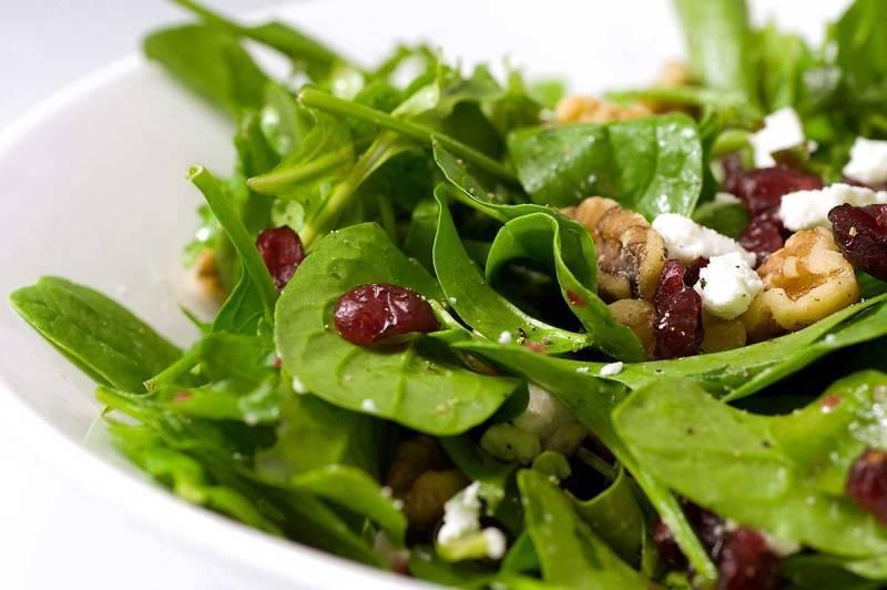Салат со шпинатом и рукколой
