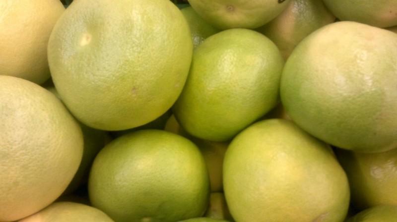 Спелые фрукты свити