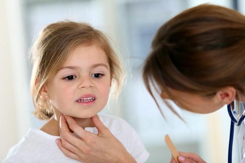 ребенку 3 года осип голос кашель