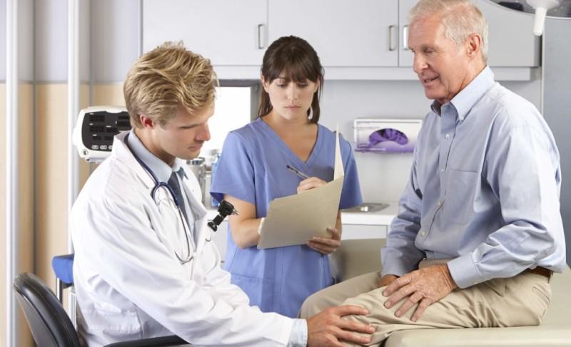 К какому врачу обратиться если болят суставы рук