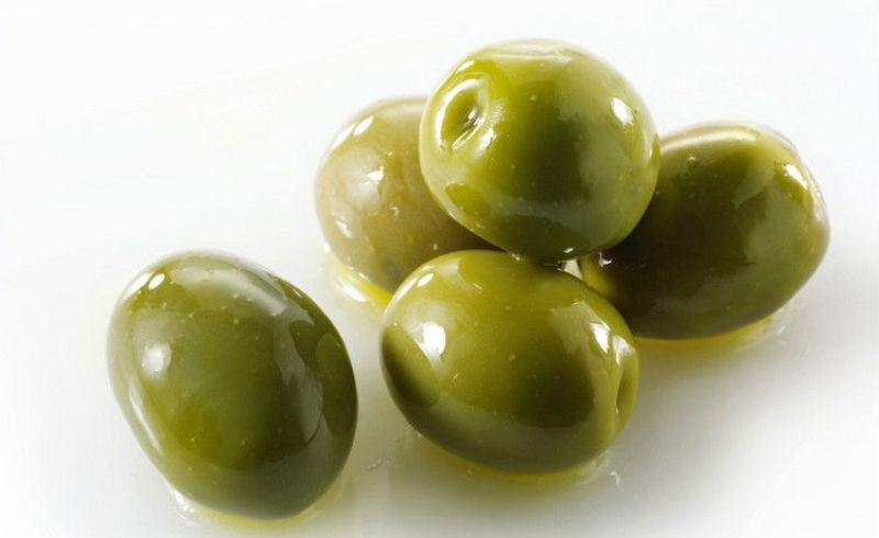 Зеленые оливки
