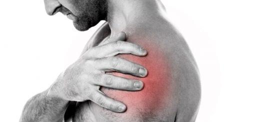 Болит левое плечо: почему и что делать?