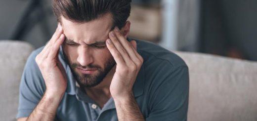 Почему болит голова в висках – что делать?