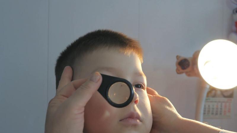 Осмотр у окулиста
