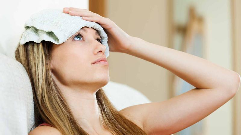 Прохладный компресс на лоб