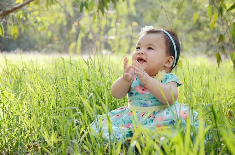 Ребёнок на свежем воздухе